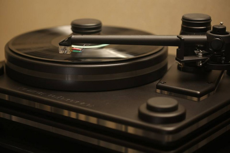 kuzma-stabi-referemce-2-turntable-2
